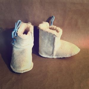Other - HANDMADE Suede Shearling Baby Moccasins Native